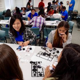 2015: Migrant Education Program: Eunhee helping with solar car workshop.